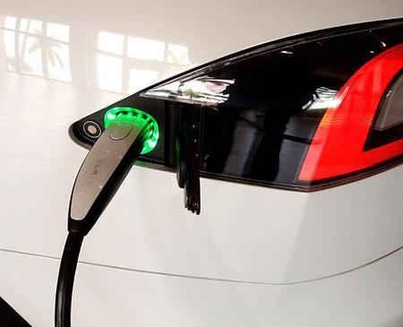 Punto de recarga Tesla Model S