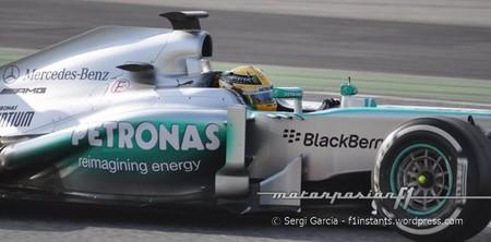 Lewis Hamilton mantiene el mejor tiempo del día
