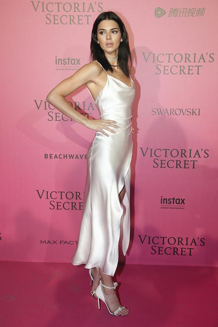 Victorias Secret Fiesta Posterior After Party Pink Carpet 2016 5