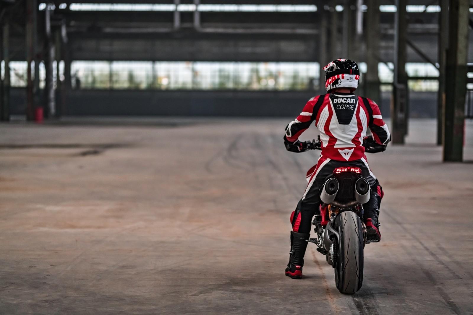 Foto de Ducati Hypermotard 950 2019 (22/76)