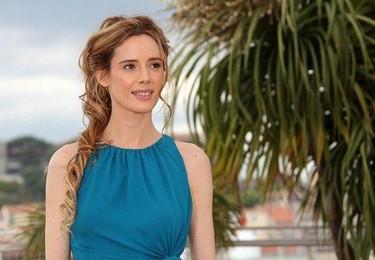 Pilar López de Ayala brilla con sencillez en el festival de Cannes