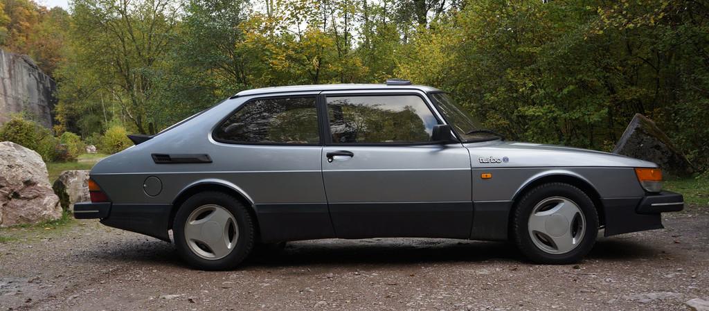 Regalos originales para amantes de los coches Saab 900
