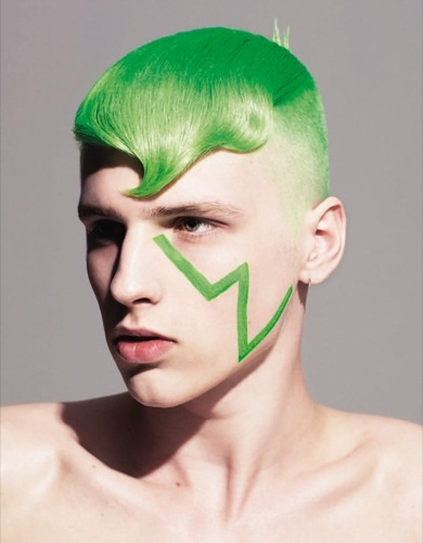 Foto de Cortes de pelo 2009: ¿Y si nos teñimos el pelo de colores? (5/6)
