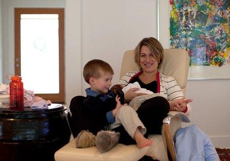 El cerebro de los niños parece crecer más cuanto más tiempo son amamantados