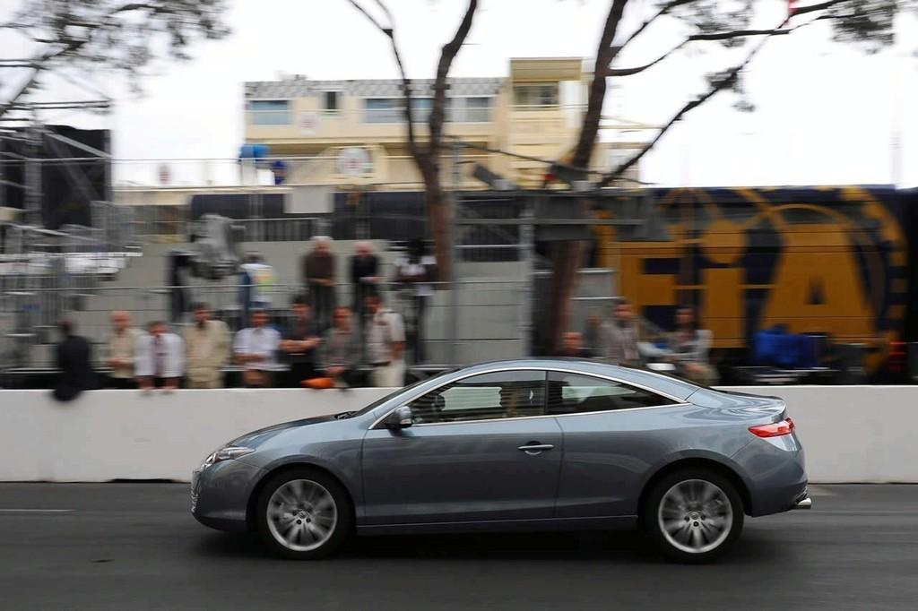 Foto de Renault Laguna Coupé 2 (2/36)