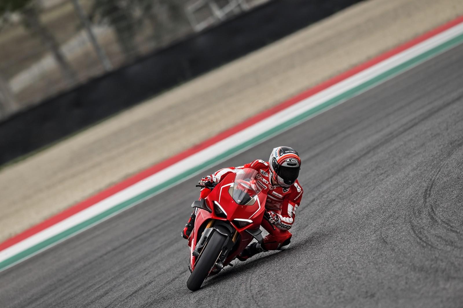 Foto de Ducati Panigale V4 R 2019 (28/87)