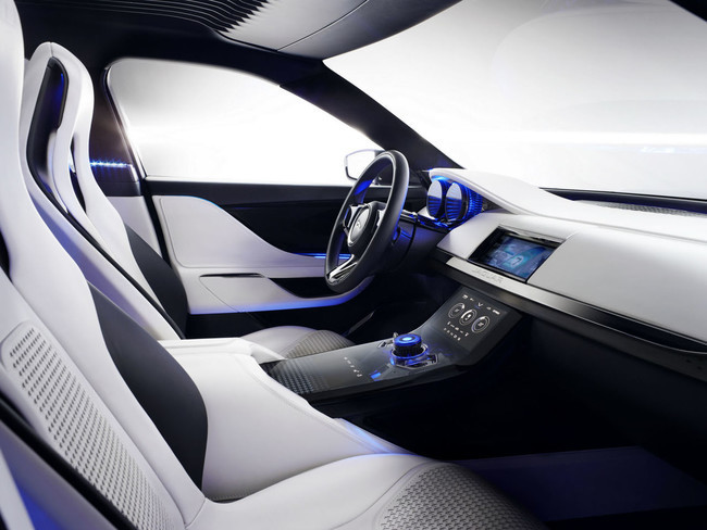 Jaguar C-X17, interior