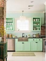 Una cocina verde menta de cuento de hadas