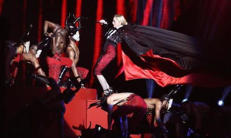 ¿Debemos culpar a Armani de la caída de Madonna?