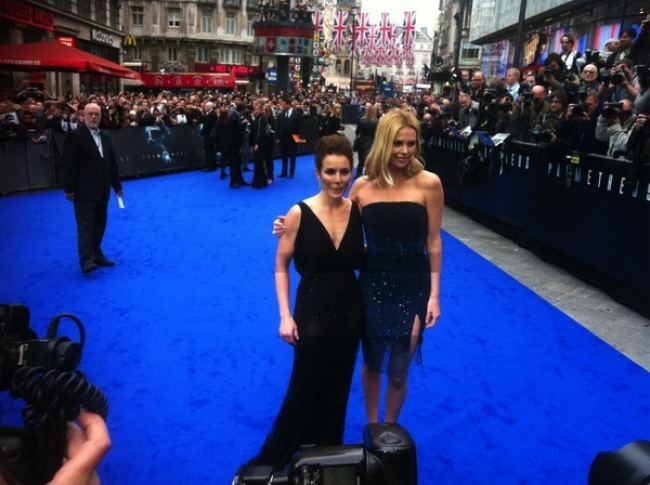 Noomi y Charlize