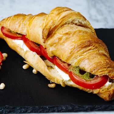 Cena con pollo: Receta de croissants rellenos