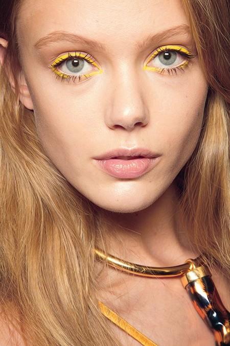 Eyeliner Amarillo 7