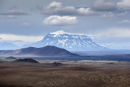 Islandia volcanes koenigsegg geely