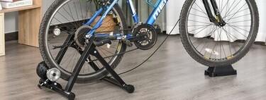 Ejercita con tu propia bicicleta dentro de casa con el rodillo cicloentrenador Homcom por menos de 70 euros