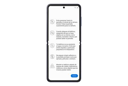 Samsung recuerda que evitemos presionar fuerte la pantalla o la lente de la cámara y que nos aseguremos de que no haya objetos en el interior cuando lo pleguemos.