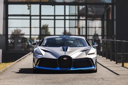 Primeras Unidades Del Bugatti Divo Comienzan A Ser Entregadas A Sus Duenos 13