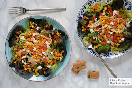 Ensalada de maíz fresco salteado y pollo