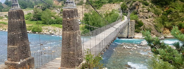 El puente colgante de Jánovas: la última reliquia en pie de la ingeniería del siglo XIX