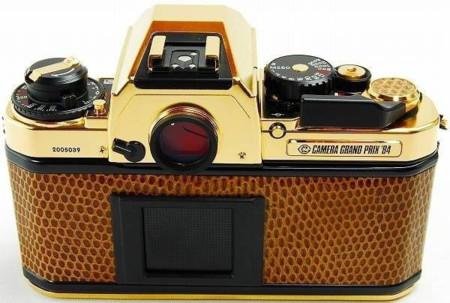Nikon FA de oro