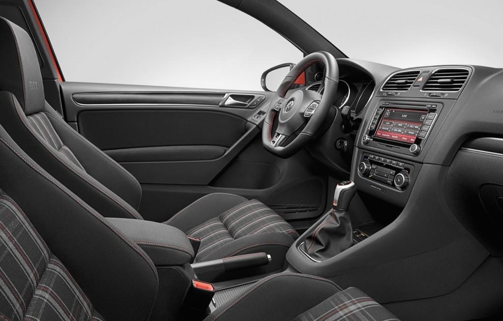 Foto de Volkswagen Golf GTi 2010 (25/38)