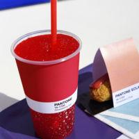 Un café pop-up en Mónaco para los fanáticos de Pantone