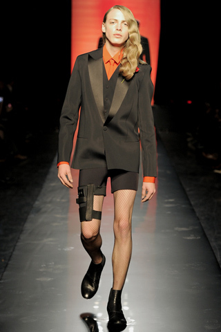 Foto de Jean Paul Gaultier Otoño-Invierno 2011/2012 en la Semana de la Moda de Paris (14/40)