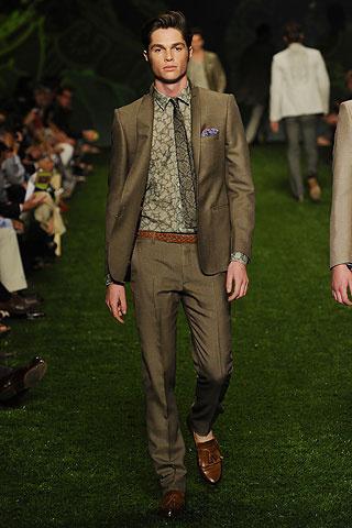 Foto de Etro, Primavera-Verano 2011 en la Semana de la Moda de Milán (2/10)