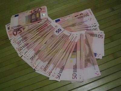 Algo falla: cada autónomo pierde de media 350 euros al año por la burocracia