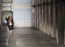 Hay vida despues de Slimane. Vaccarello se estrena en Saint Laurent con una colección grunge muy glamurosa