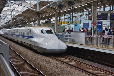 De zonas para fumadores a salas para videoconferencia: los trenes AVE de Japón ofrecen vagones para el trabajo híbrido