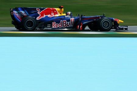 Sebastian Vettel golpea primero en Interlagos