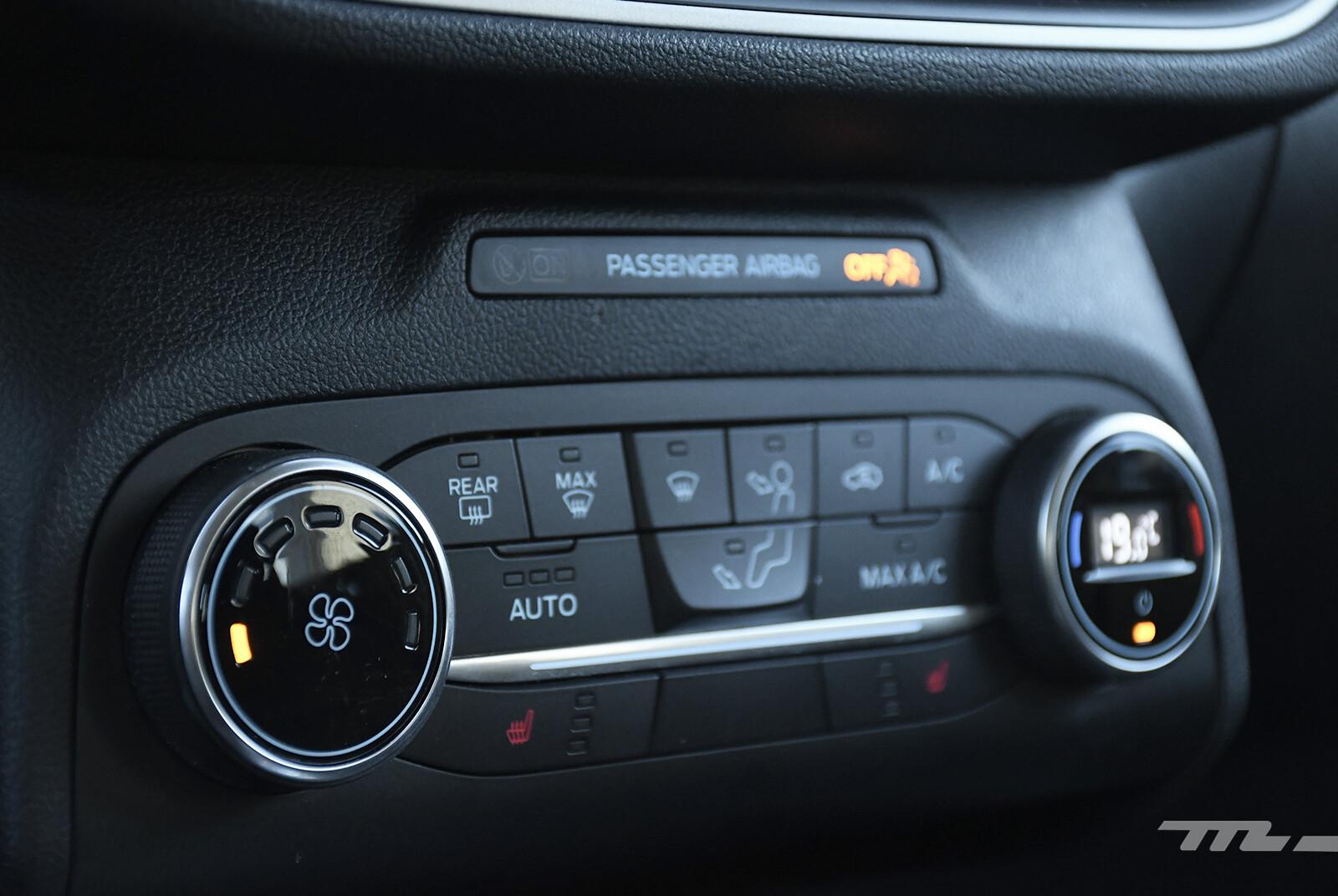 Foto de Ford Escape Hybrid (prueba) (16/22)