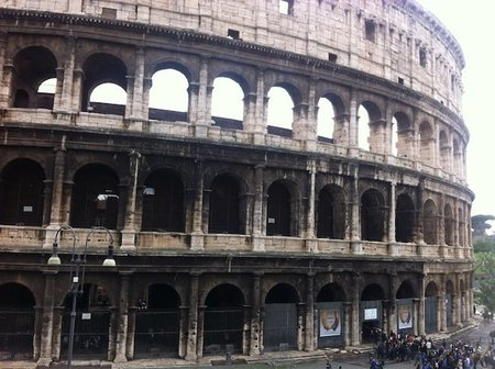 """Tras la pista"": viaje + gymkhana + Amazing Race en Roma"