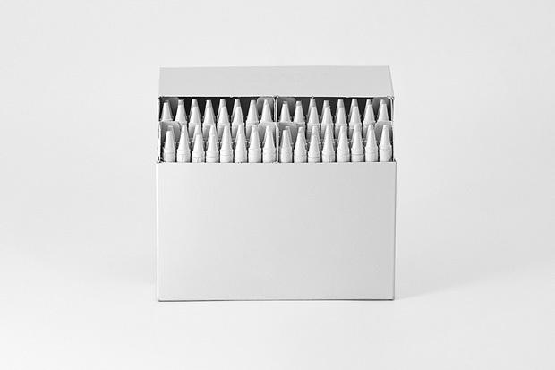 Foto de Brand Spirit, objetos cotidianos pintados de blanco (3/7)