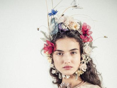 Tras dos años sin Victoria's Secret, la española Blanca Padilla vuelve a arrasar en la Semana de la Alta Costura