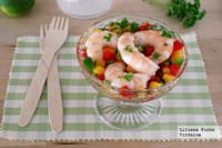Langostinos en salsa fresca de melocotón y pimientos. Receta saludable