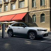 Mazda afirma que los coches eléctricos con baterías de largo alcance son más contaminantes que los diésel