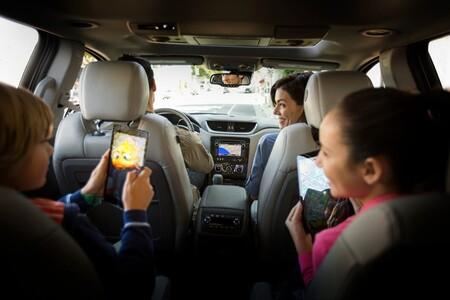 El uso de internet en vehículos GM incrementó más de 100% en un año: YouTube, Facebook e Instagram son las apps más utilizadas a bordo