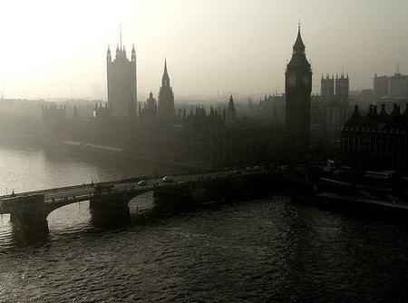 Recesión en el Reino Unido fue peor a lo esperado