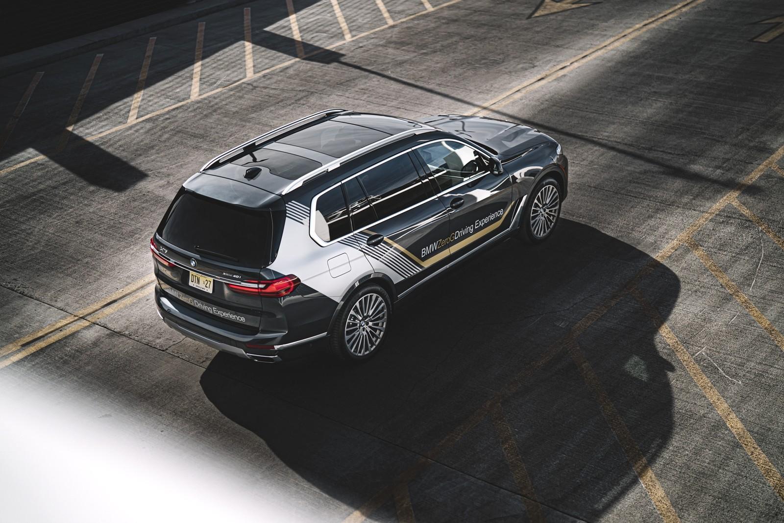 Foto de BMW X7 ZeroG Lounger 2020 (9/15)