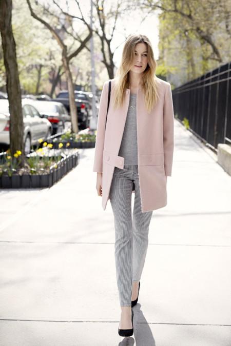 Hazte con un abrigo rosa para ir a la última esta temporada
