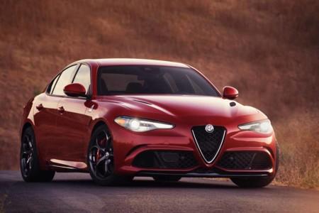 Alfa Romeo Giulia Quadrifoglio, tu nuevo sueño dorado llega directo desde Italia