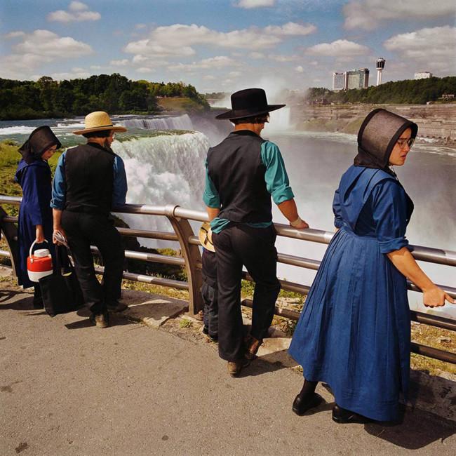 Mennonites At Overlook Niagra Falls State Park Ny