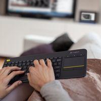 Teclado inalámbrico Logitech K400 Plus, con touchpad táctil, por 23,90 euros
