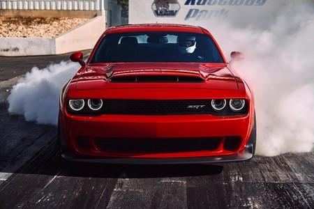 Video: Dodge Demon pierde contra Hellcat en 1/4 de milla... ¡dos veces!