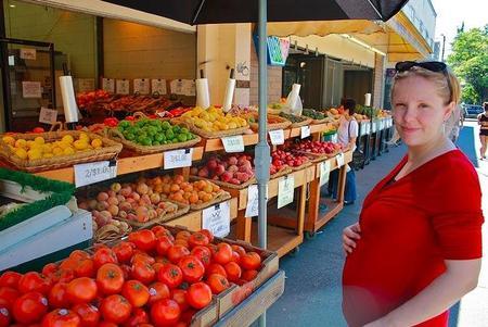 ¿Hambre irresistible durante el embarazo? Elige tentempiés saludables
