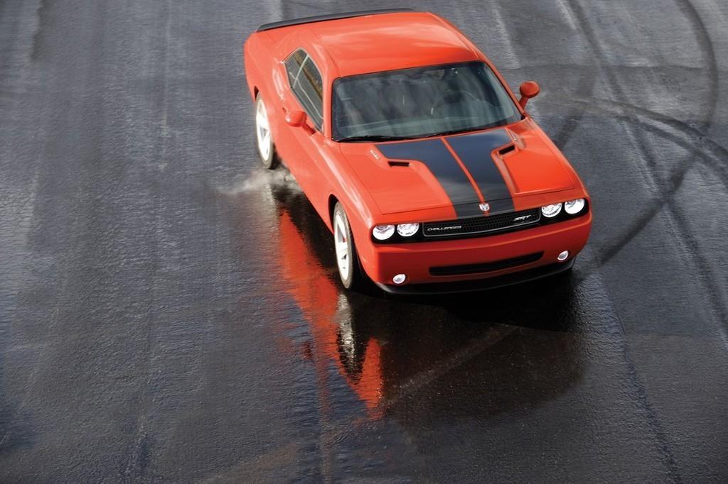 Foto de Dodge Challenger SRT8 (6/103)