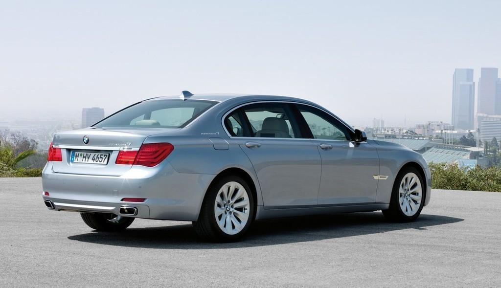 Foto de BMW ActiveHybrid 7 (5/30)
