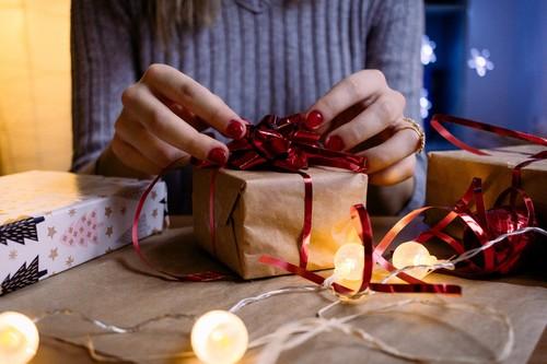33 ideas de regalos para Navidad por menos de 100 euros