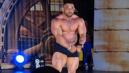 Músculos más grandes no necesariamente significan músculos más fuertes